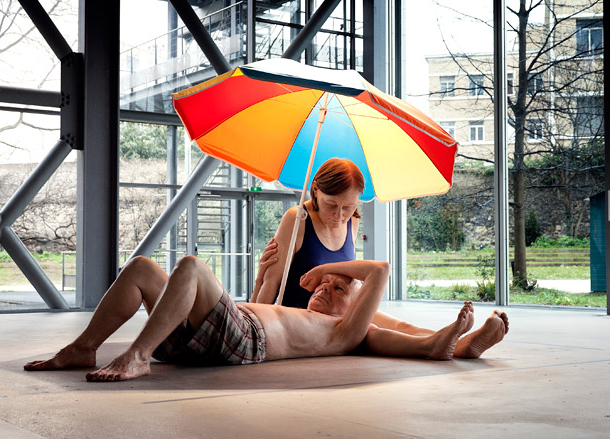 「Couple Under An Umbrella」2013