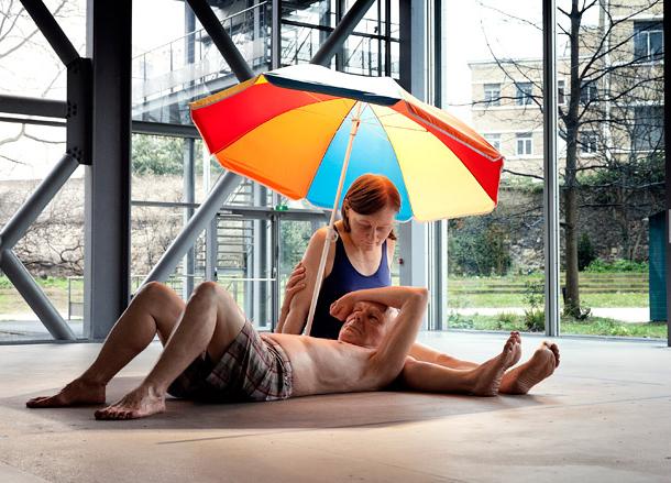 「Couple Under An Umbrella」2013